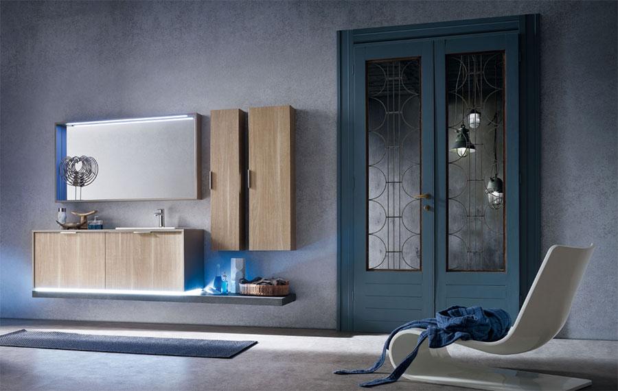 Mobile bagno sospeso con lavandino in ceramica a incasso