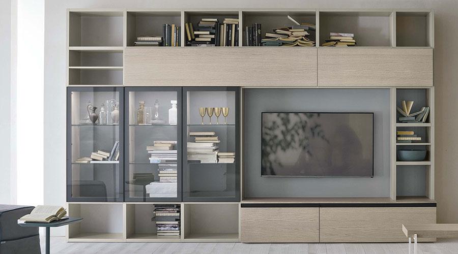 Composizione Tomasella A116 per soggiorni con vetrine e libreria