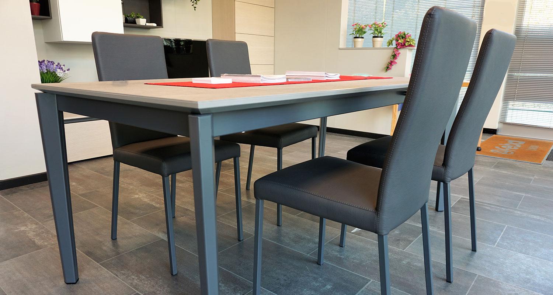 Sedie moderne per soggiorno e living in offerta - Connubia Calligaris Garda